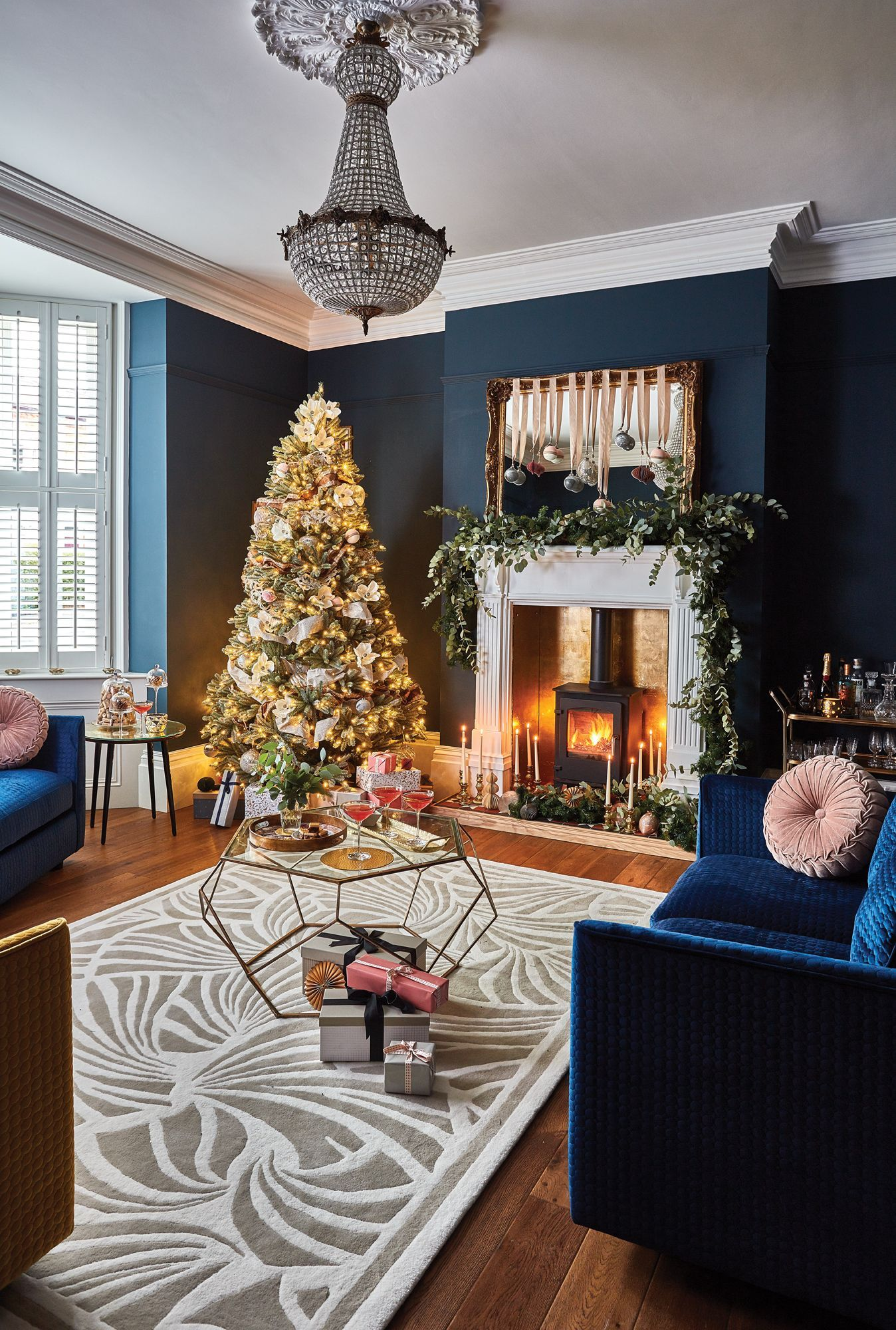 Real Home A Victorian Renovation With A Modern Festive Twist Real Homes Festive Home Renovation V Christmas Decor Trends Lounge Decor Blue Christmas Decor
