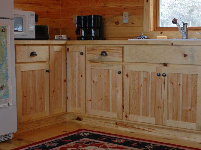 Pin by Amy Bowman on Cabin kitchens | Pine kitchen ...