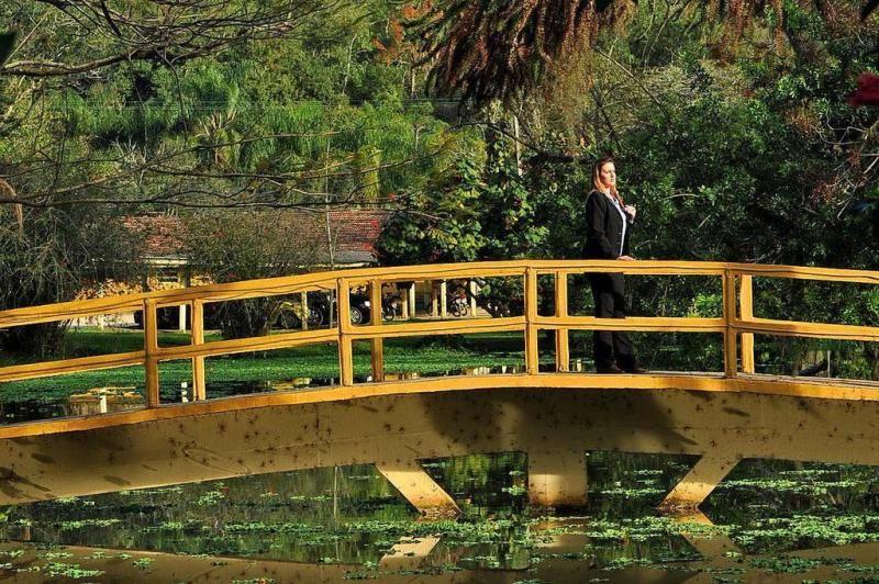 Pequena ponte, no Hotel Internacional, em Gravatal:imagem 2