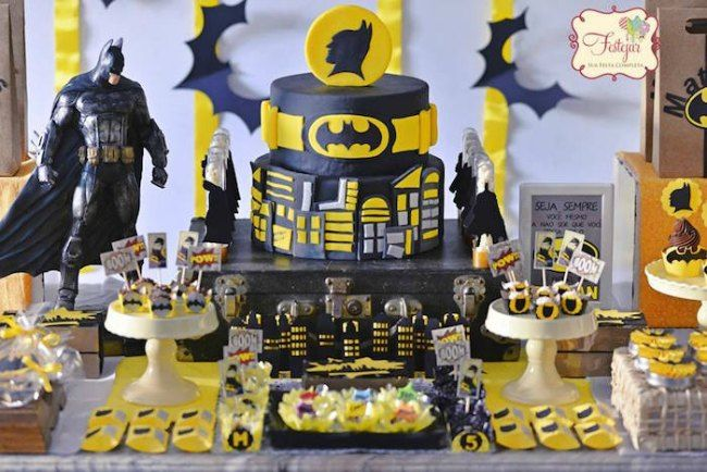 decoracin de cumpleaos batman en negro y amarillo fiesta infantil temtica batman ideas