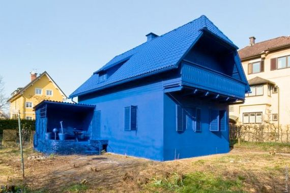 10 Wacky Exterior Paint Photos That Will Shock You: Blend Into the ...