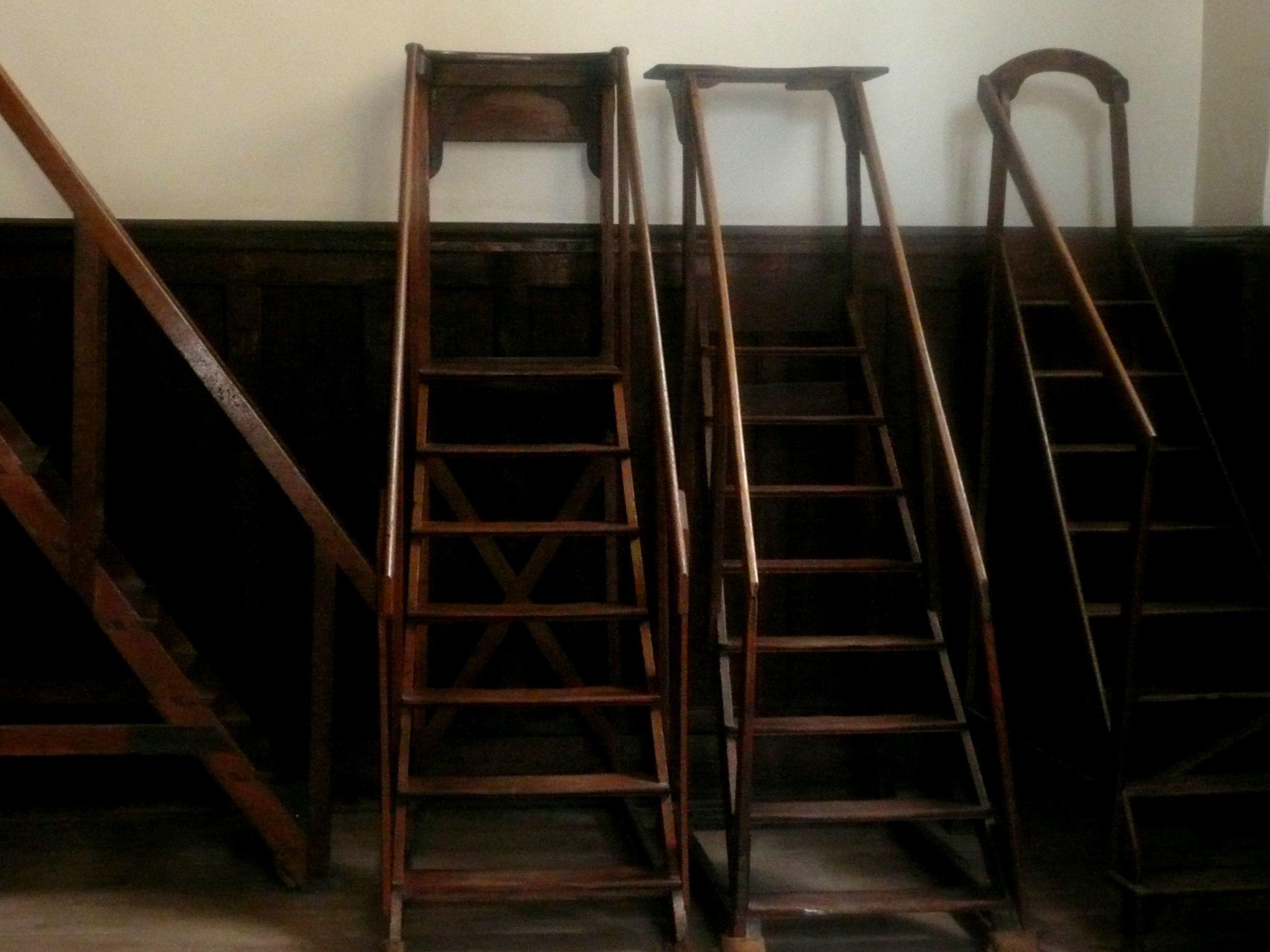 echelle de bibliotheque bar stools