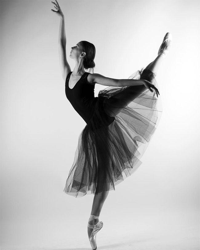 картинка балерина черно белая картинка так