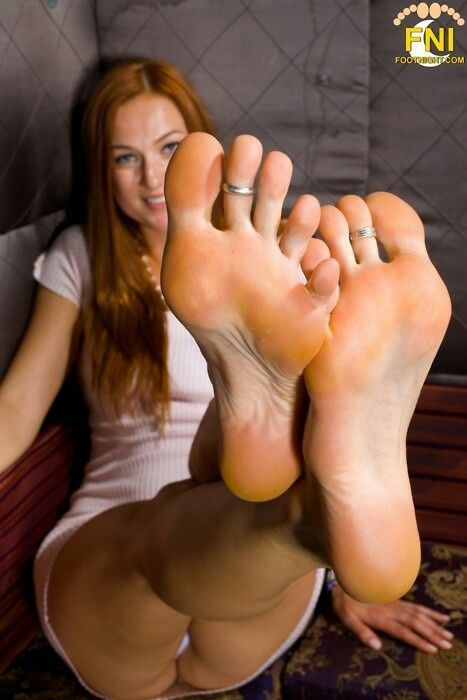 Gorgeous Feet She Has  Feet And Sandals  Gorgeous Feet -5139
