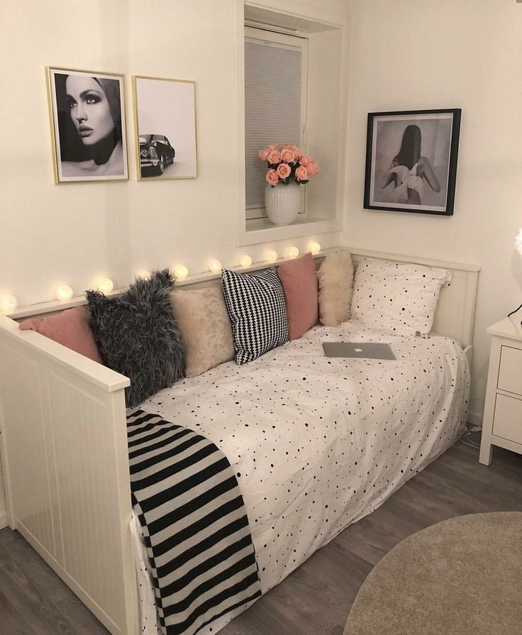 50 Decoration Ideas To Personalize Your Dorm Room With Dorm Rooms Are Small By Nature And The Limited Space M Beautiful Dorm Room Dorm Room Decor Bedroom Decor