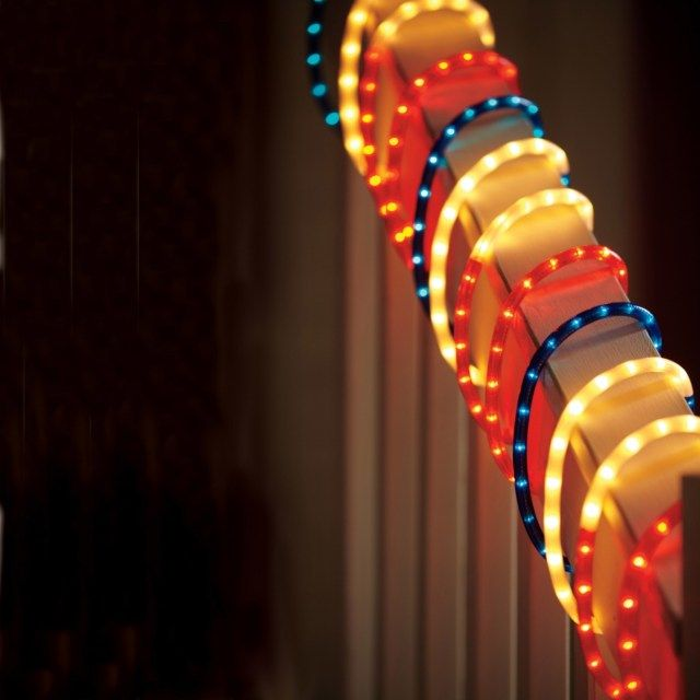Christmas Decorating Ideas With Rope Lights