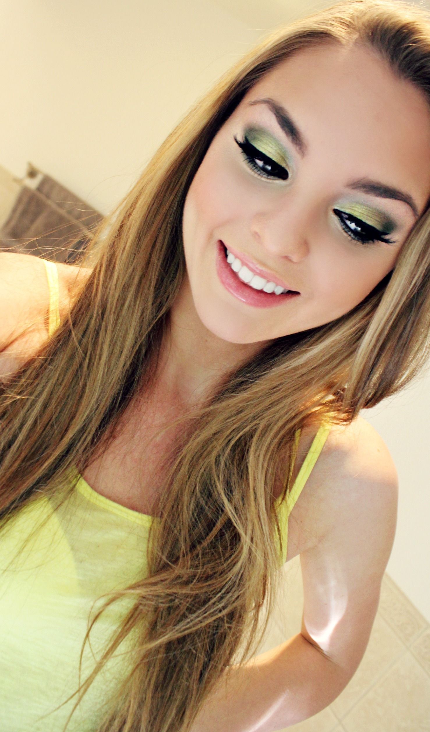 Taylor Swift Our Song Makeup Look Green Smokey Eyes Makeup