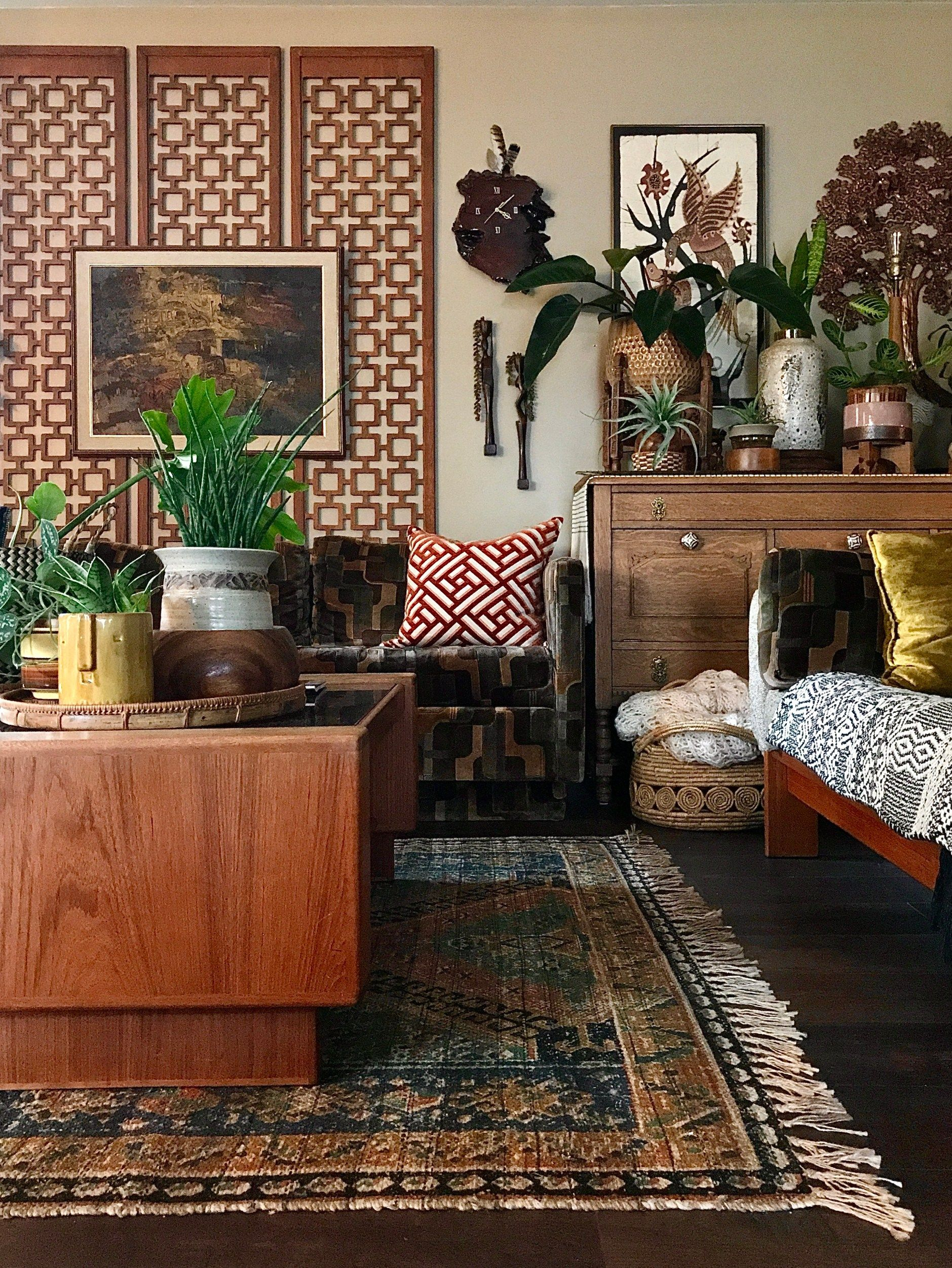 The '70's Vibe Plant Loving Home of Audrey Plew – The Interior Editor