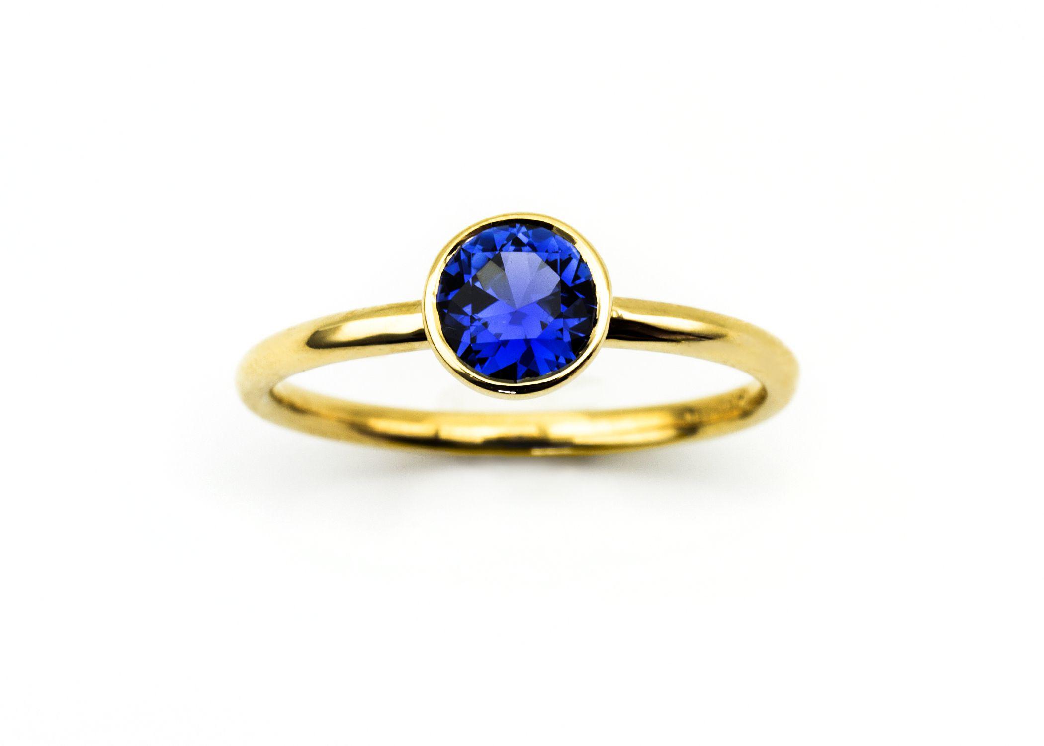 What a stunning Montana Yogo Sapphire ring! #montana #yogo ...