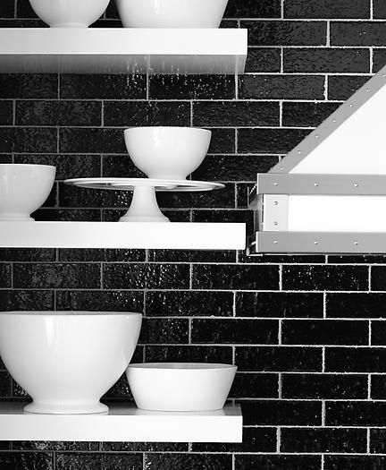Download Wallpaper White Kitchen With Black Wall Tiles