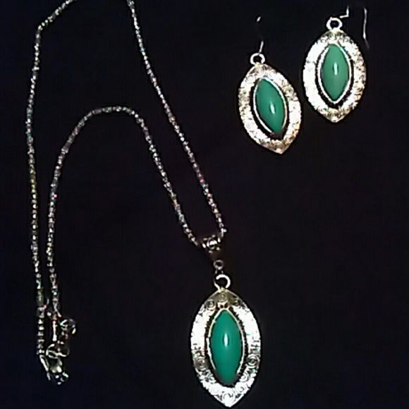 Real turquoise 18 inch chain Real stone turquoise / Jewelry Necklaces