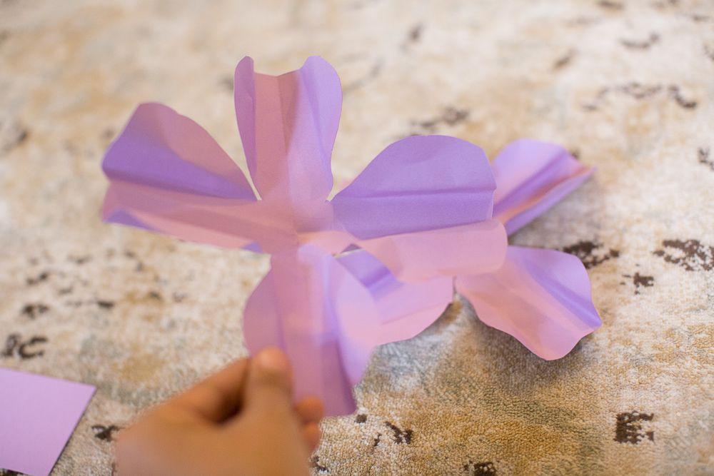 Diy large paper flowers paper flowers craft pinterest paper diy tutorial 3d paper flower tutorial mightylinksfo