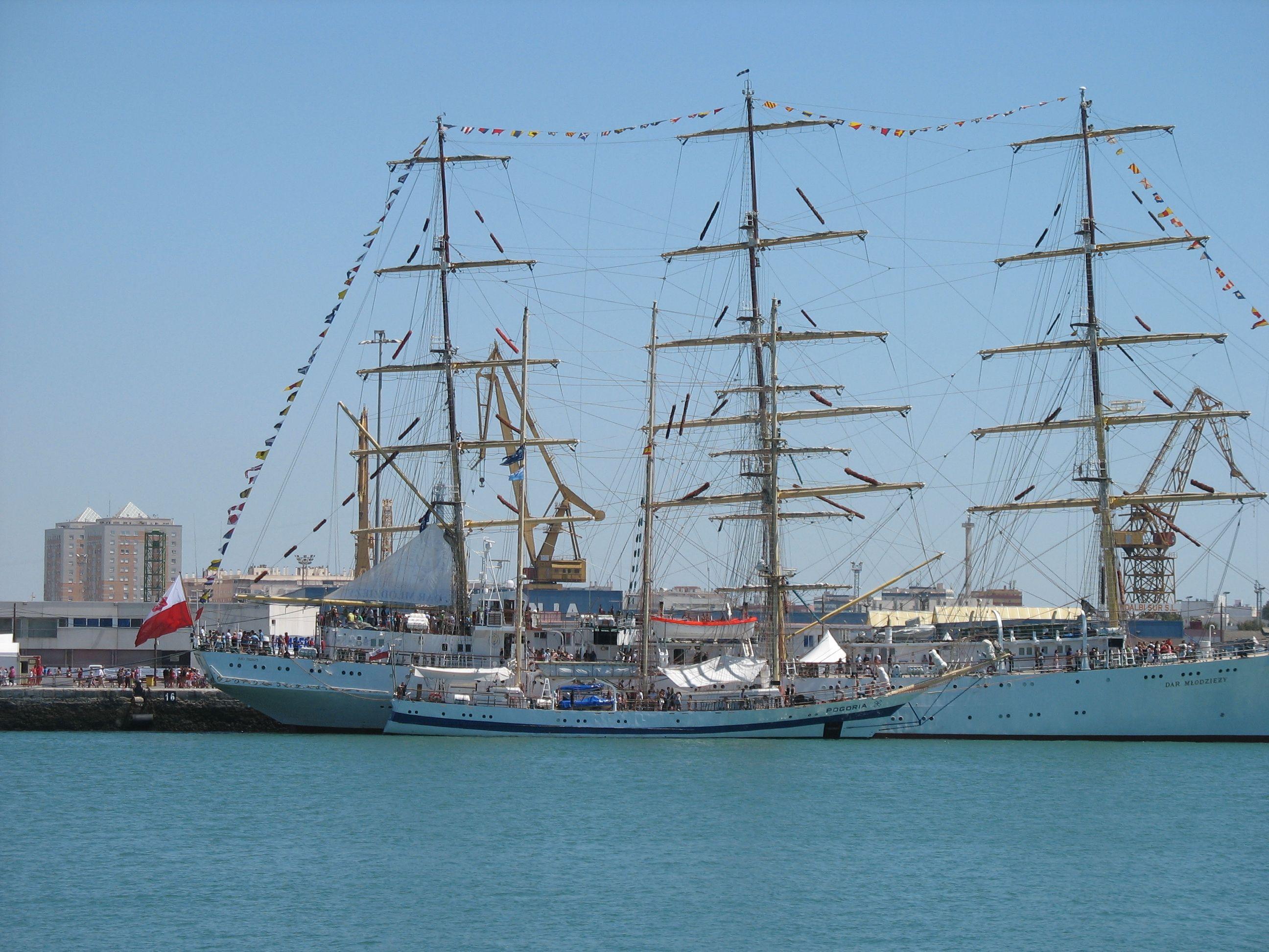 Otros barcos en el Puerto de Cádiz.