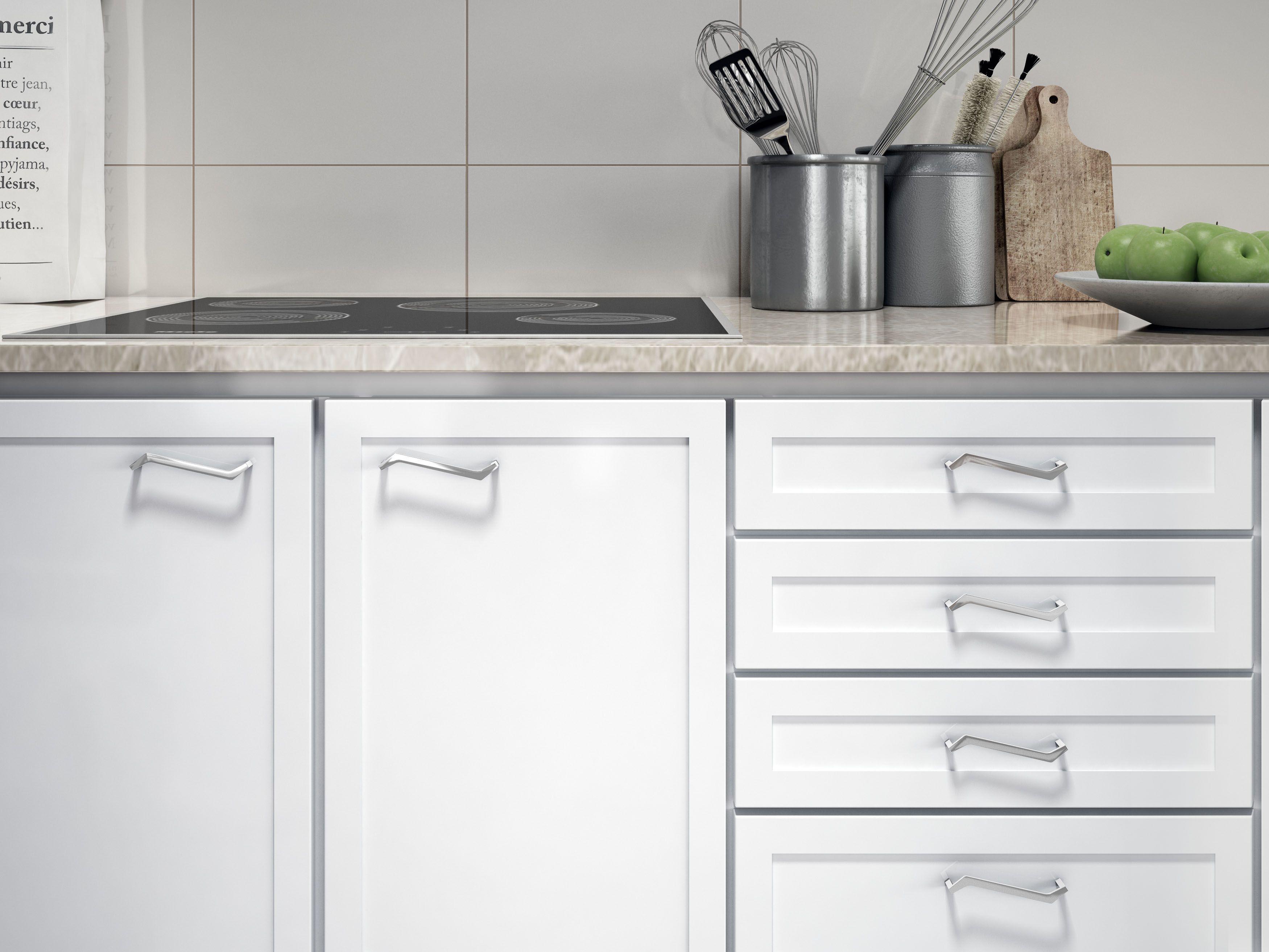Se Trata De In Tirador Moderno En Cromo Brillo Sobre Un Mueble  # Budnik Muebles De Cocina