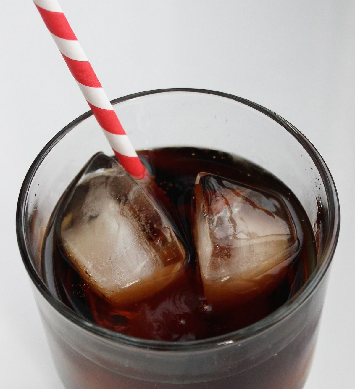 The real risks that come along with drinking diet soda.