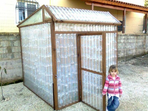 kleines gew chshaus selber bauen mini treibhaus aus plastikflaschen charlotte pinterest. Black Bedroom Furniture Sets. Home Design Ideas