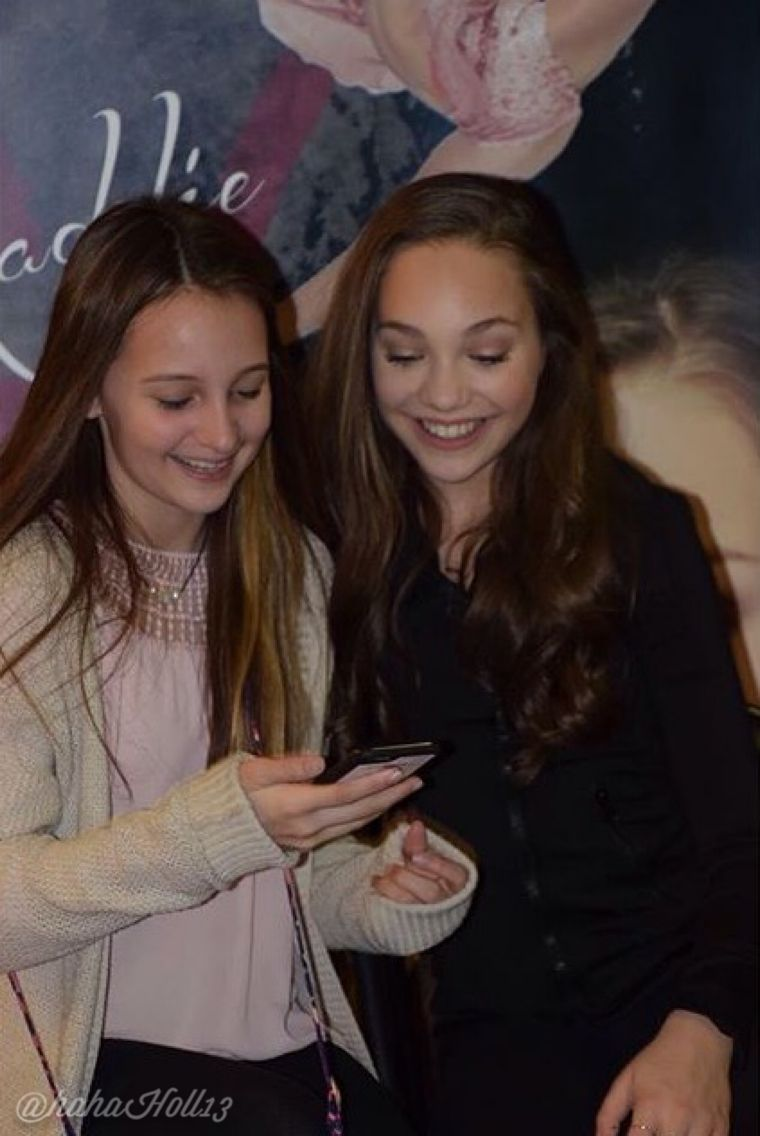 Added By Hahah0ll13 Dance Moms At Nashville Meet And Greet Credit