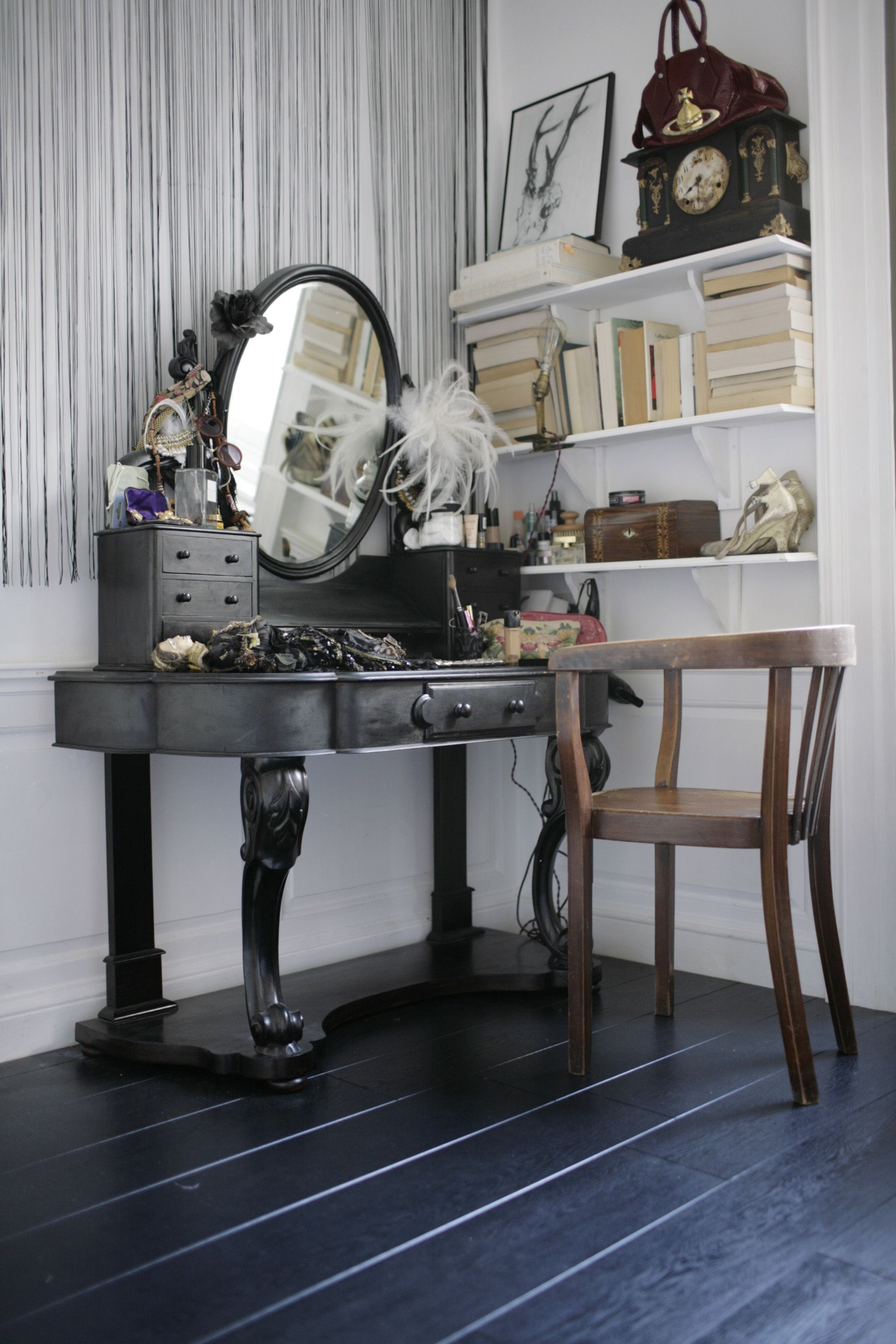 This Eclectic Bedroom Has A Wonderful Mahogany Dressing Table, Covered With  Theatrical Collectibles. The Monochrome Pallette Creates A Spacious  Dressing ...