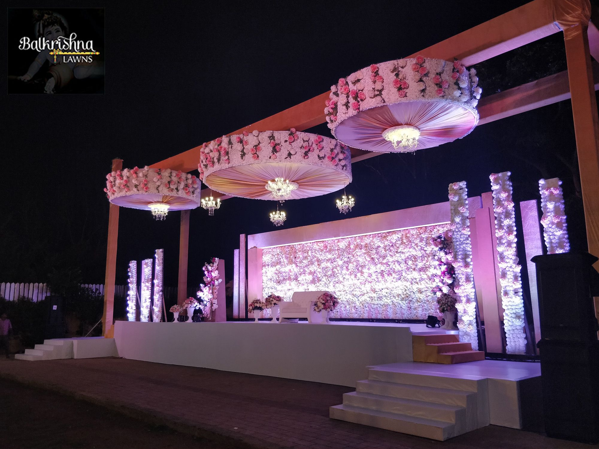 Day wedding stage decoration  A wedding is an important day in your life as well as people around