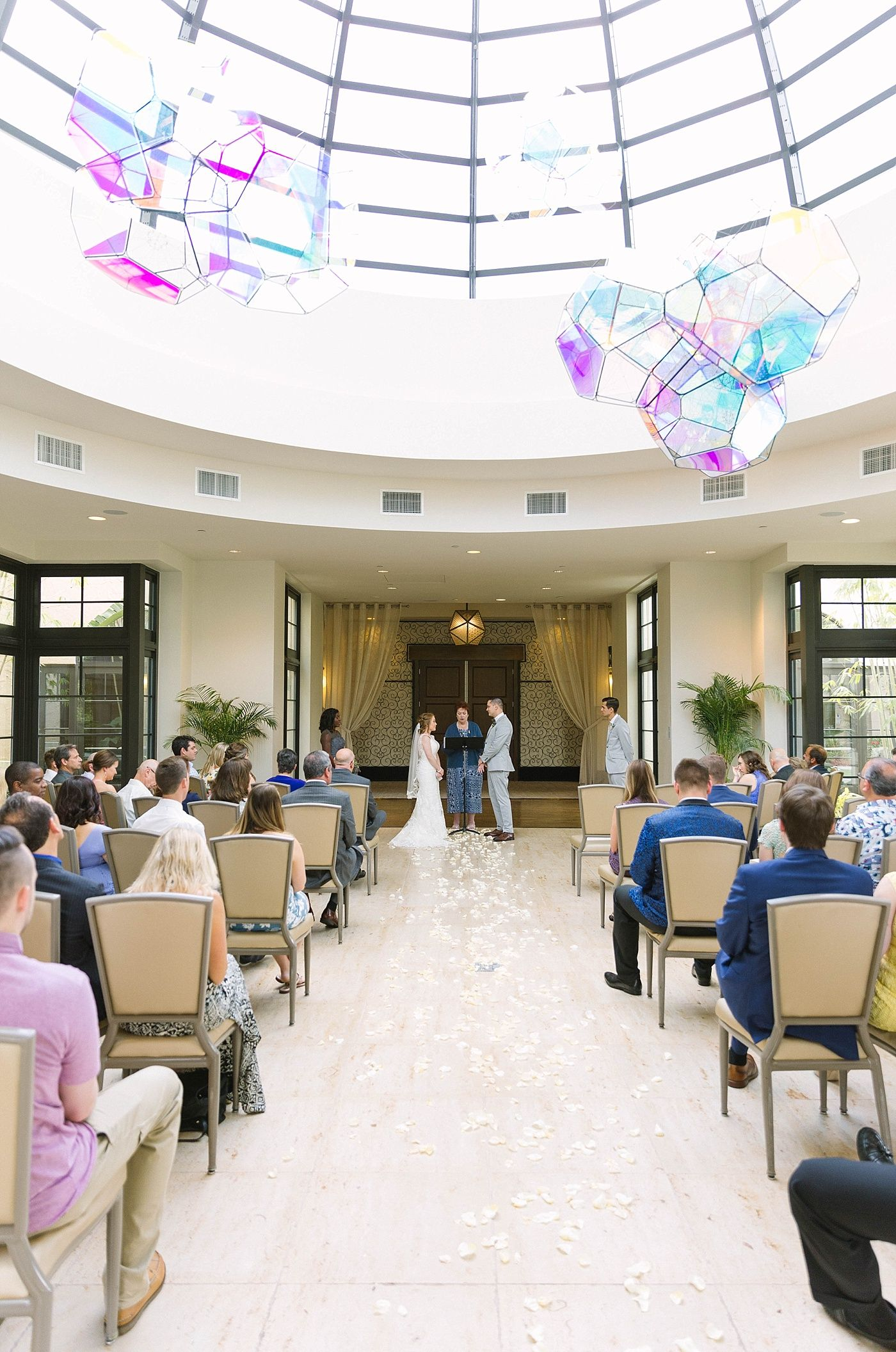 10++ Wedding party pictures indoors ideas