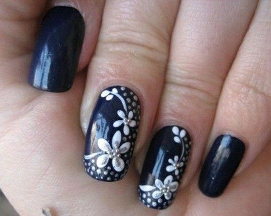 Uñas negras con glamour