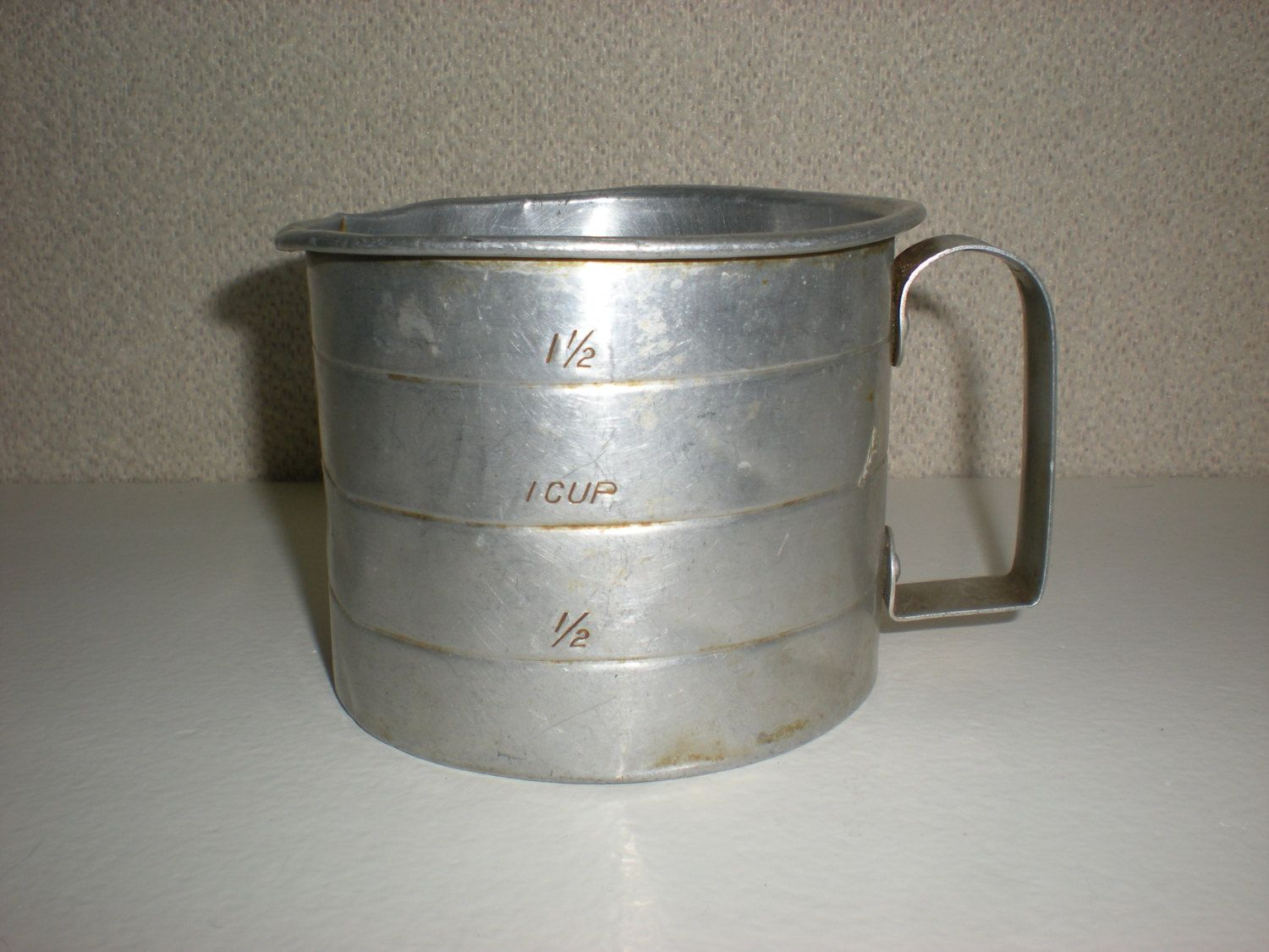 Vintage Measuring Cup 2 Cups Old Tin Aluminum Metal