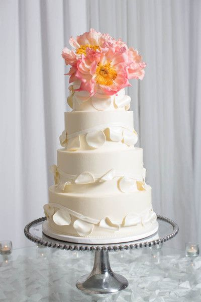 love the texture on this cake /// ShutterChic Photography
