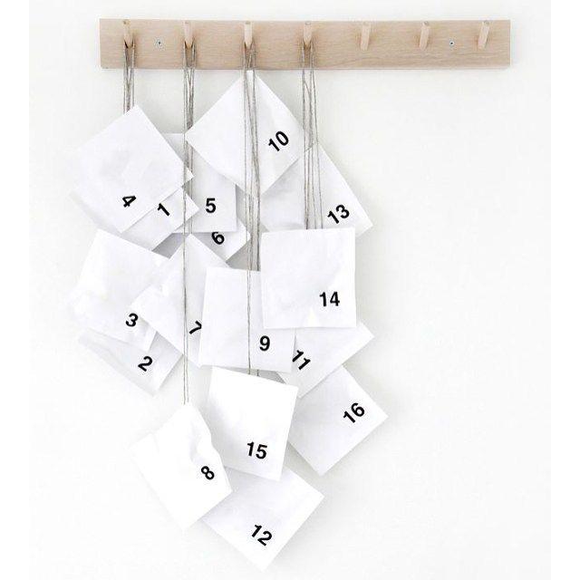 #simple #adventcalendar #allwhite #diy #minimalistic #adventskalender Denne var enkel og fin...Skal man gidde å lage pakkekalender i år? Gadd ikke i fjor...men kanskje i årFoto via Pinterest/STILL(Source: ?) by bohemiansense
