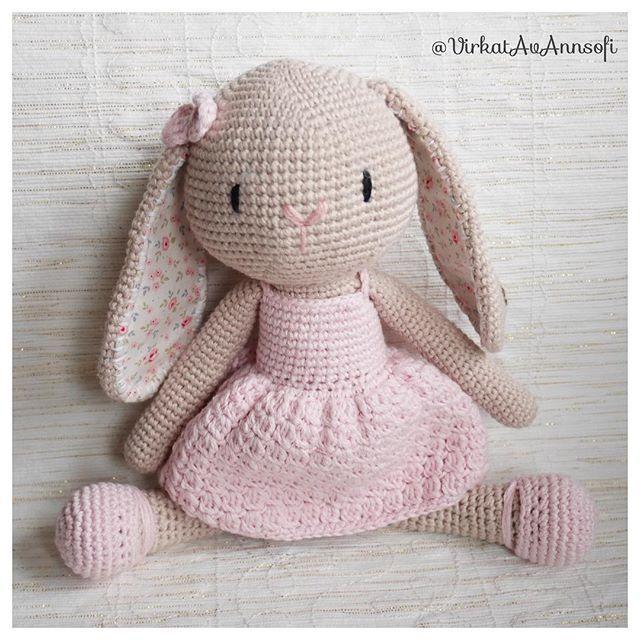 Till Alice 🌸🌿 #amigurumi #crochet #virkat #virkad #virkattu #virkstagram #haken #häkeln #handmadetoy #kanin