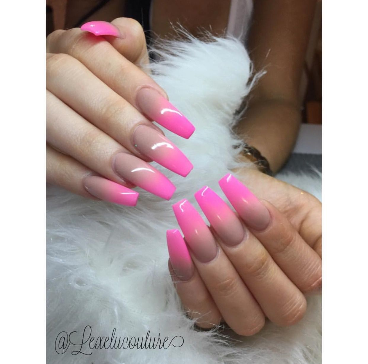 Ombré Nails ✨✨✨ ➡️Hair,Nails,And Style ➡️Hair,Nails,And Style ...