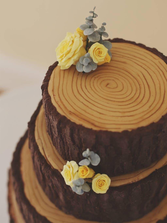 I Really Like The Eucalyptus So Well Probably Use Some Of That - Wedding Cake Tree Bark