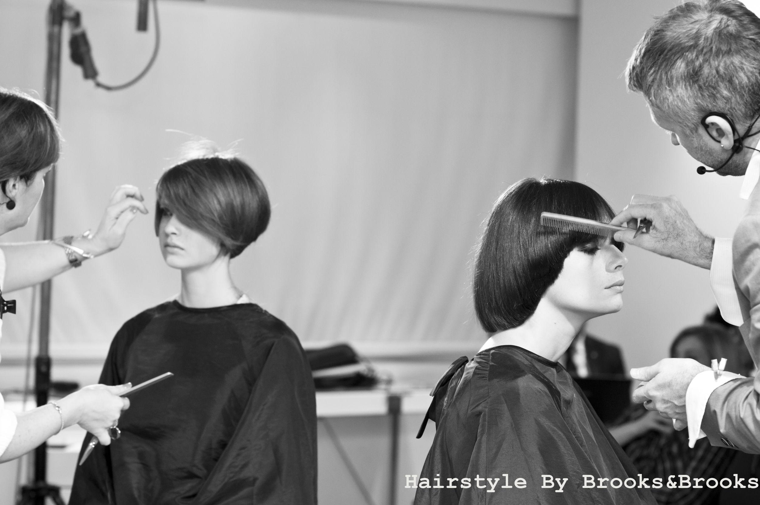 Tra i tagli di #tendenza in questo periodo c'è il #caschetto… vi piace? #hairstyle - Entre los peinados de #tendencia en este periodo se encuentra la #melena a la garcon… ¿Les gusta? #hairstyle - #Bobs are among the current #trendy cuts… like it ? #hairstyle