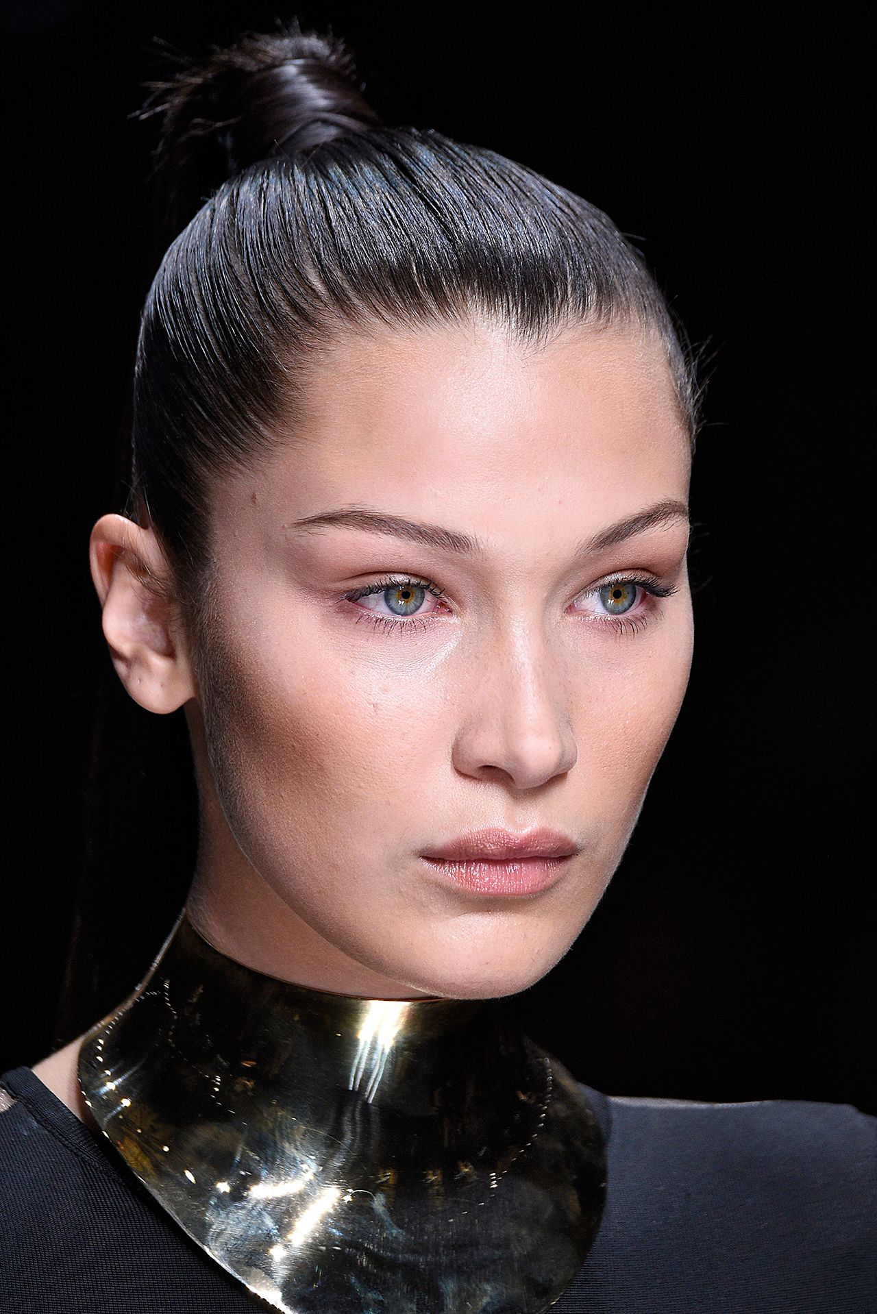 Are Pencil Thin Eyebrows Making A Comeback Bella Hadid Makes A