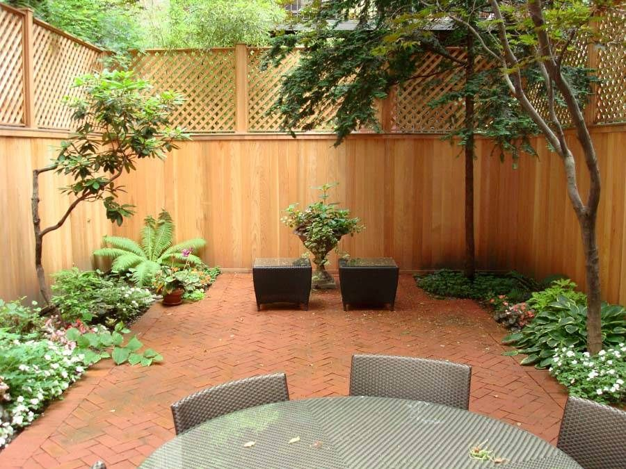 Gardens by robert urban townhouse backyard spaces for Townhouse deck privacy ideas