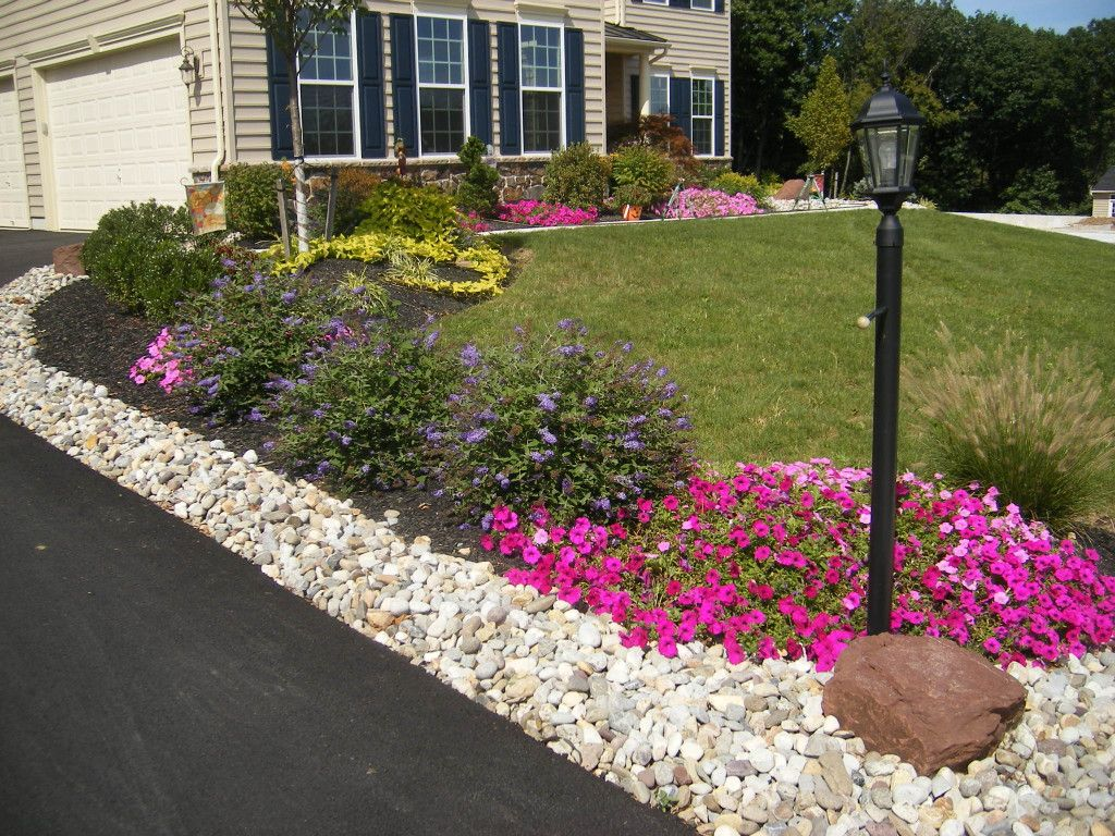 frame driveway with mulch