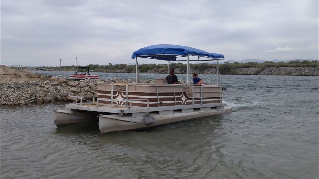 I Bought The Cheapest Pontoon Boat On Craigslist Youtube In 2020 Pontoon Boat Pontoon Pontoon Dock