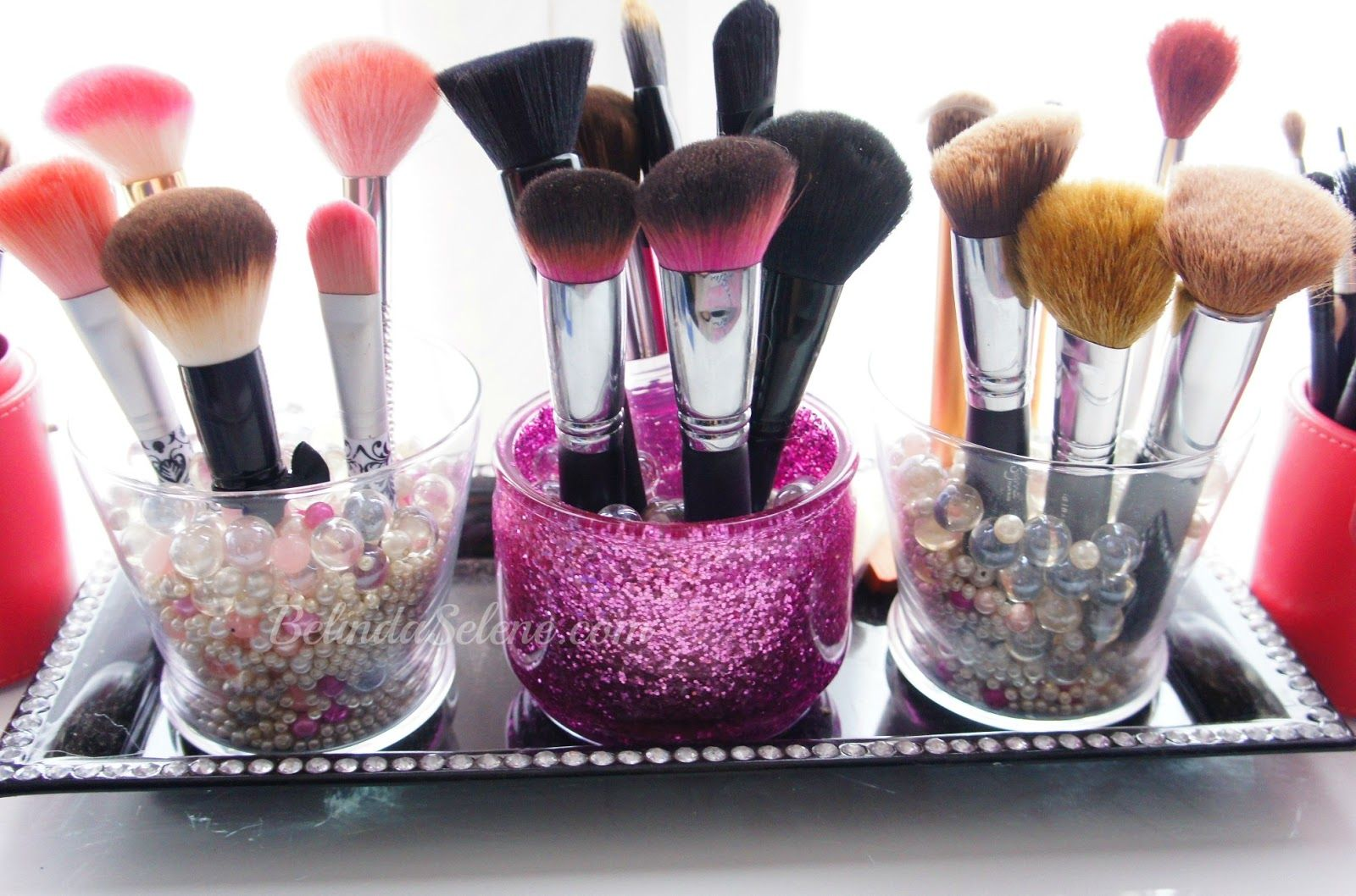 Makeup brush storage. super cute. Diy makeup brush