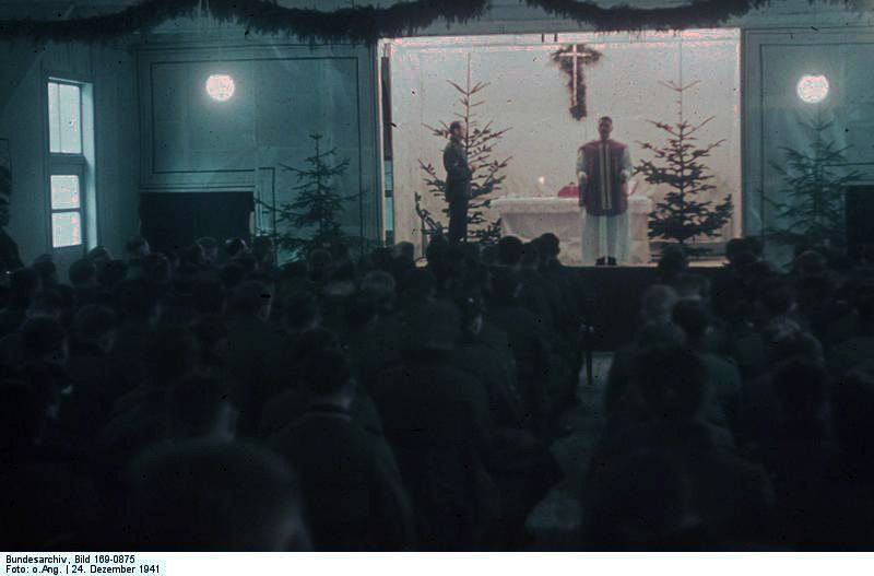 Weihnachtsfeier in der Etappe der 6. Armee am 24.12.1941, irgendwo in Rußland