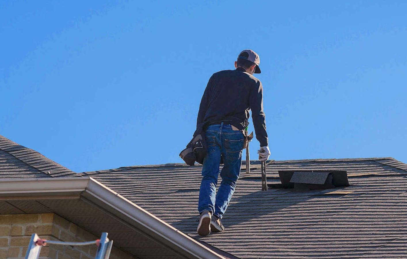 Dealing with roof damage insurance claims and roofing