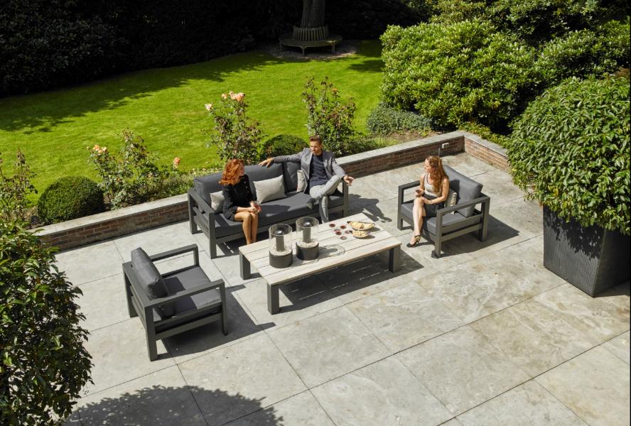 Gezellig relaxen in luxe loungeset tuinset tuininspiratie lava