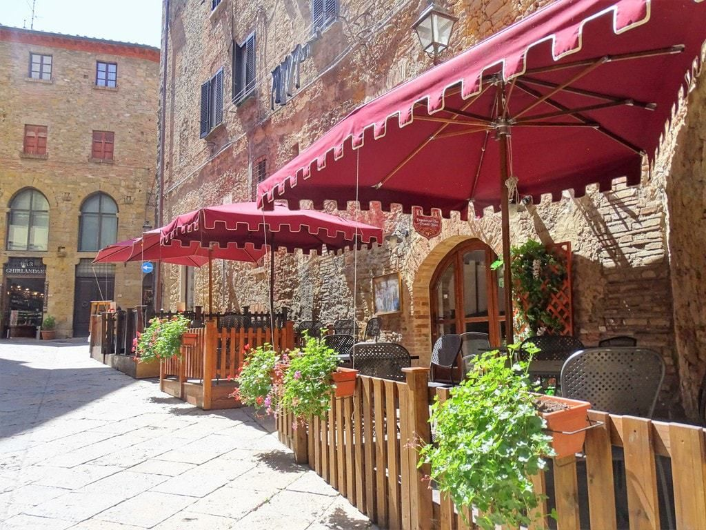 The Most Beautiful Hilltop Villages And Towns In Tuscany Tuscany Tuscany Travel Village