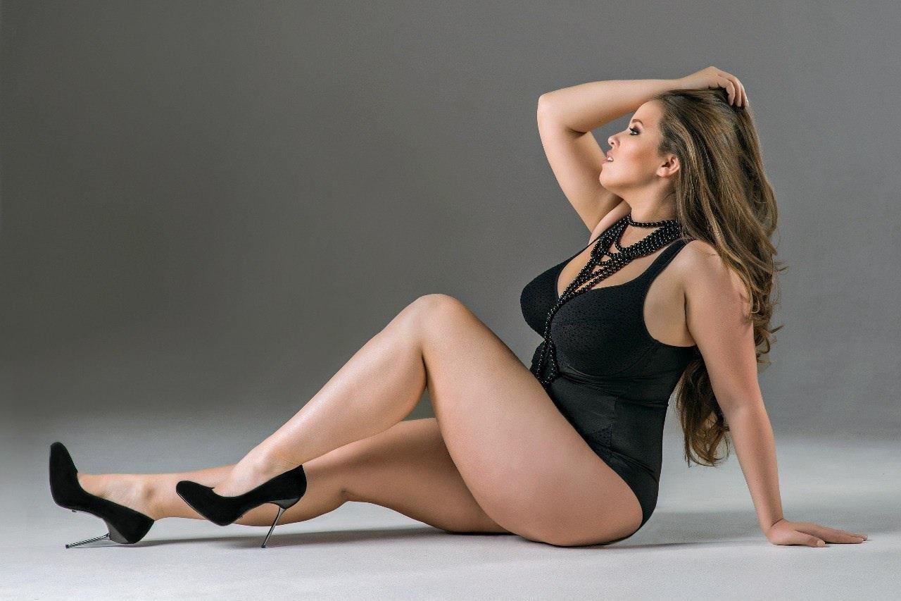Viktoria Manas #delicatecurves #plussizelingerie ...