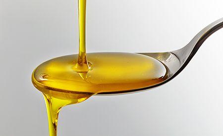Omega-3-Fettsäuren als Jungbrunnen.Immer wieder verkünden die Medien, Nahrungsergänzungsmittel seien die reine Geldverschwendung. Kürzlich hiess es gar, auch Omega-3-Fettsäuren könne man sich sparen. Wer jedoch genauer hinschaut, ist besser informiert. So zeigen neueste Forschungen, dass Omega-3-Fettsäuren wichtige Bestandteile eines jeden Anti-Aging-Programmes sein sollten, da sie offenbar den Alterungsprozess und die typischen Altersbeschwerden aufhalten können.
