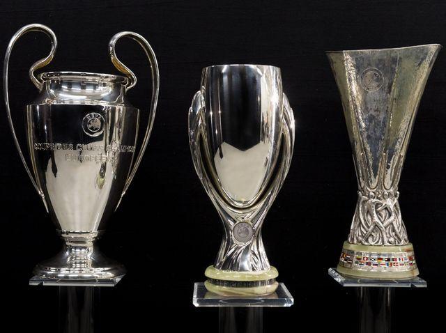 Naskolko Kruto Ty Znaesh Futbolnye Rekordy Football Trophies Trophy Design Football Awards