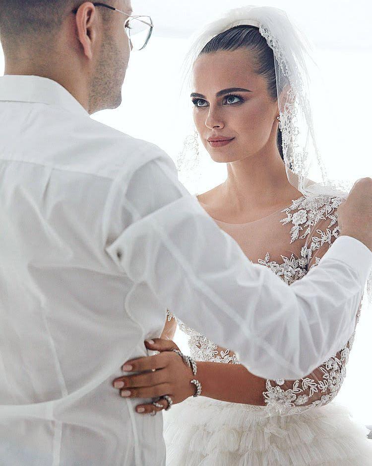 свадьба ксении дели фото антиквариата производится нами