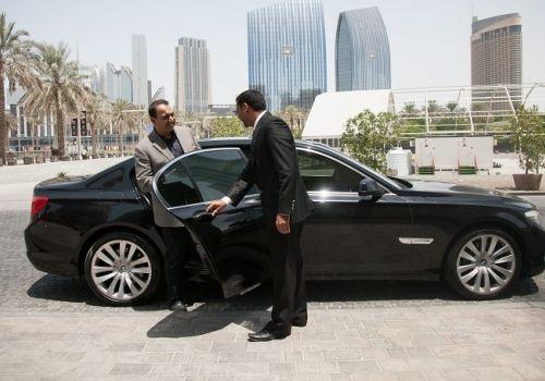 Lyft Resurrects Rebrands Luxury Car Service As Lyft Premier Car Rental Company Heathrow Driving Jobs