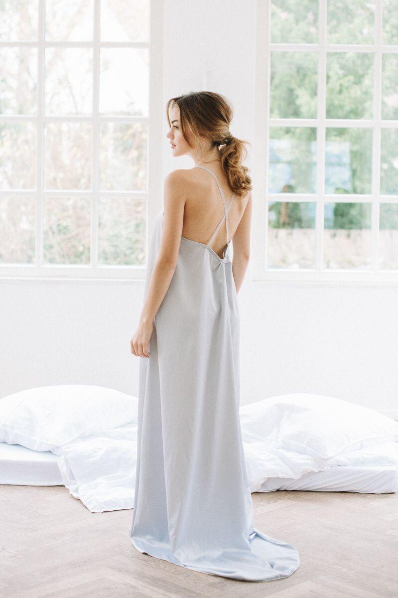 Homedress - Sina Fischer Bridal Robes | Langes satinkleid ...