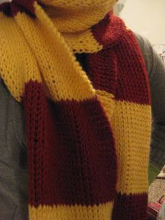 Knitting Pattern Gryffindor Scarf : Harry Potter Scarf: Tunisian Knit Stitching WANT TO DO! But with HUFFLEPUFF c...