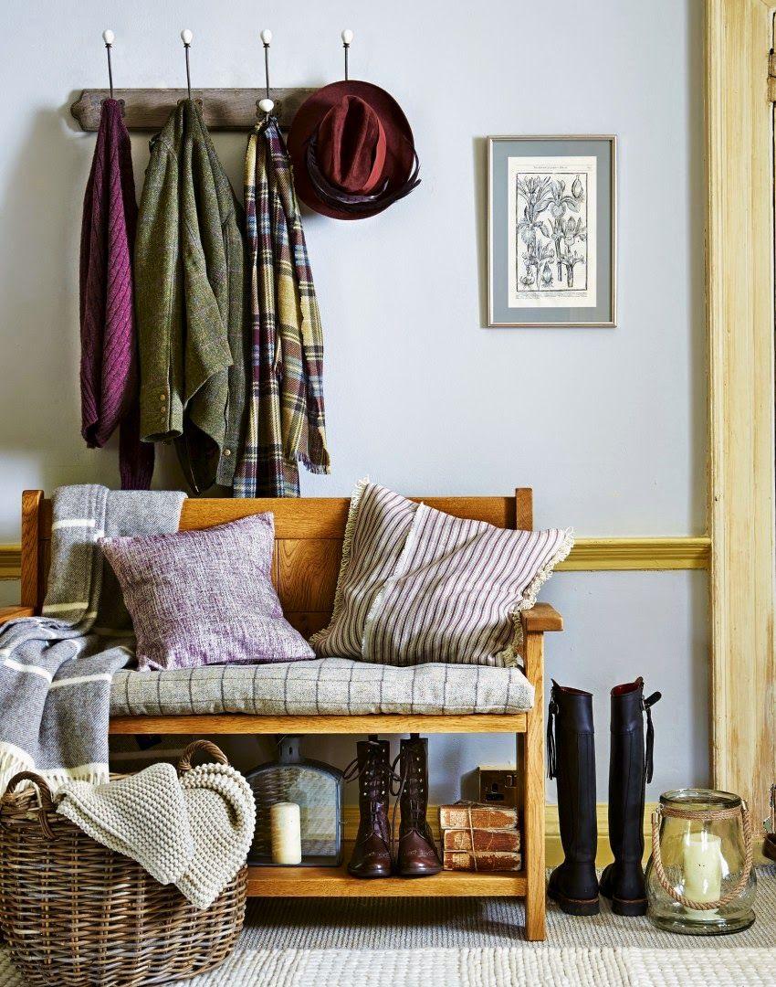 Hallway wallpaper dado rail  Seleção de Imagens inspiradoras  casa  Pinterest  Mud rooms