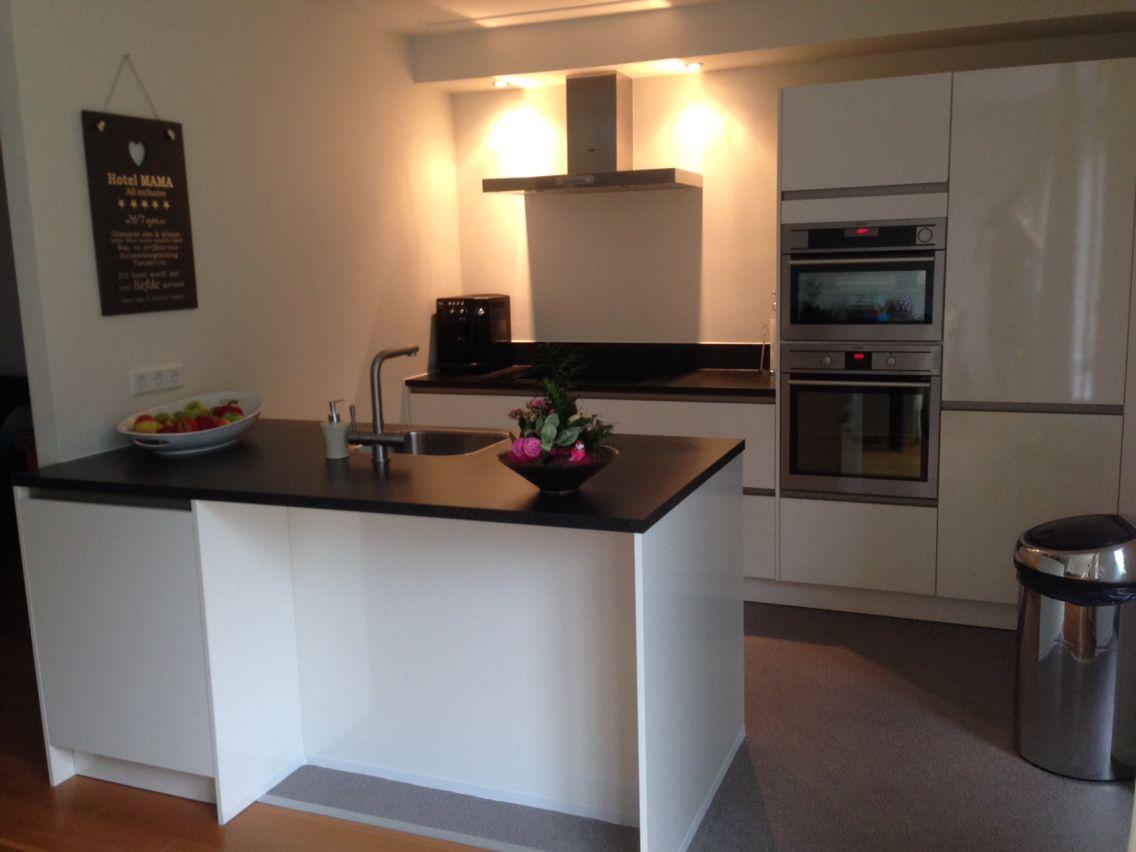Aeg Keuken Inbouwapparatuur : Brugman keuken met apparatuur van aeg stoomoven extra gewone